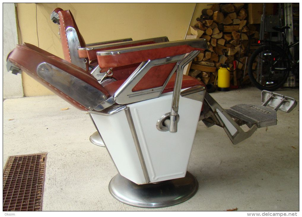 RARE VINTAGE TAKARA BELMONT BARBER CHAIR, 1950s, 2 CHAIRS - Furniture - RARE VINTAGE TAKARA BELMONT BARBER CHAIR, 1950s, 2 CHAIRS