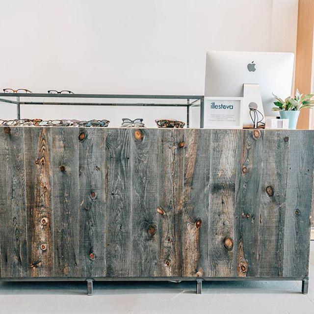 Simplicity. | #designbuildcraft #handcrafted #wynwoodmiami #illesteva #custombuild #mckenziecraft #displaycase #eyewear #illesteva