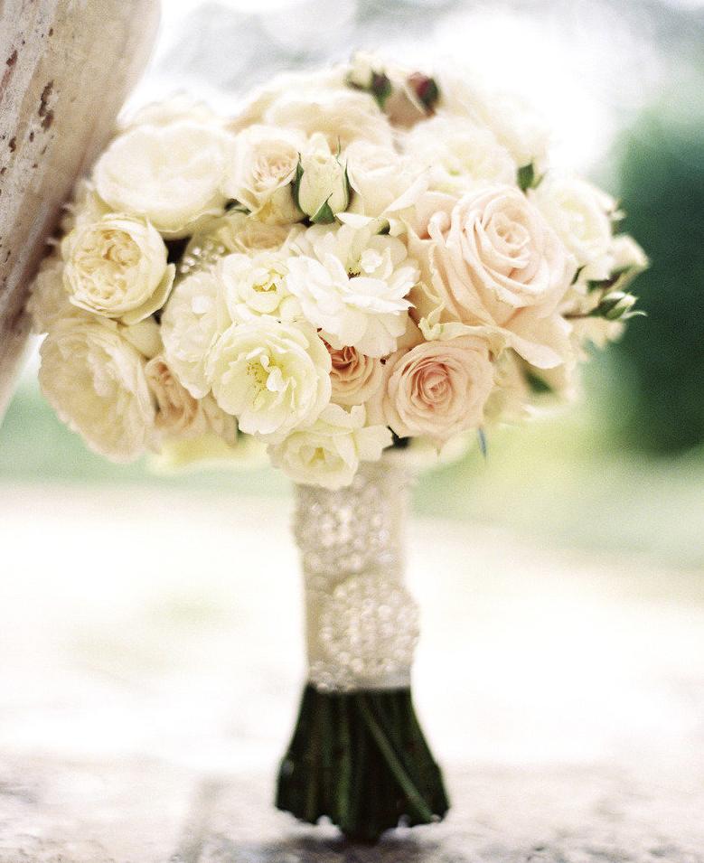 Soft Romantic Elegant Wedding Ideas: Get Inspired: Soft Romantic Bridal Bouquet Ideas