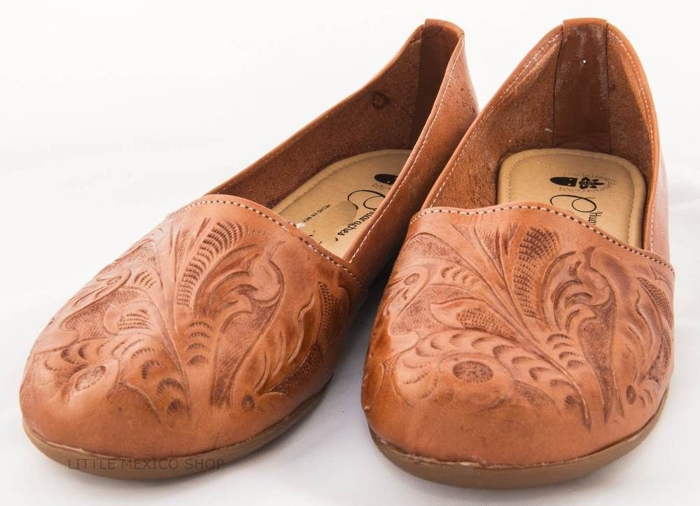 3004ef96482a1 Women s Huarache Sandals TOOLED BROWN FLATS Closed Toe MEXICAN SANDALS  LEATHER  Handmade  Flat  Casual