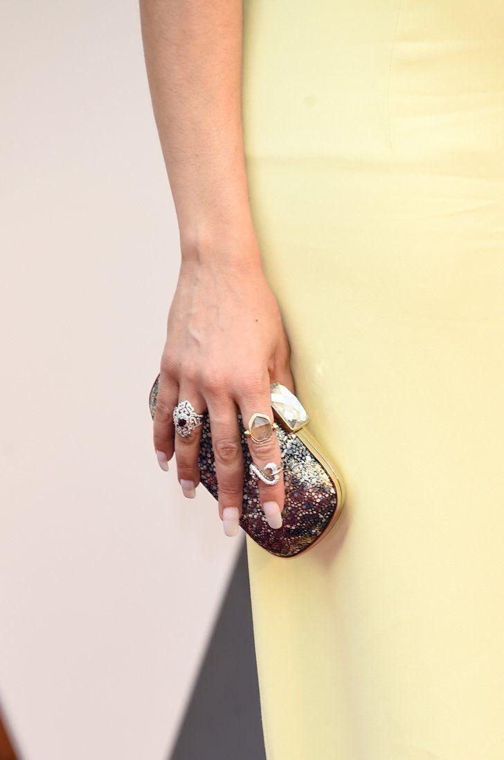 Pin for Later: Mit diesen Maniküren verpassen die Stars ihrem Look den letzten Schliff Andra Day, Oscars