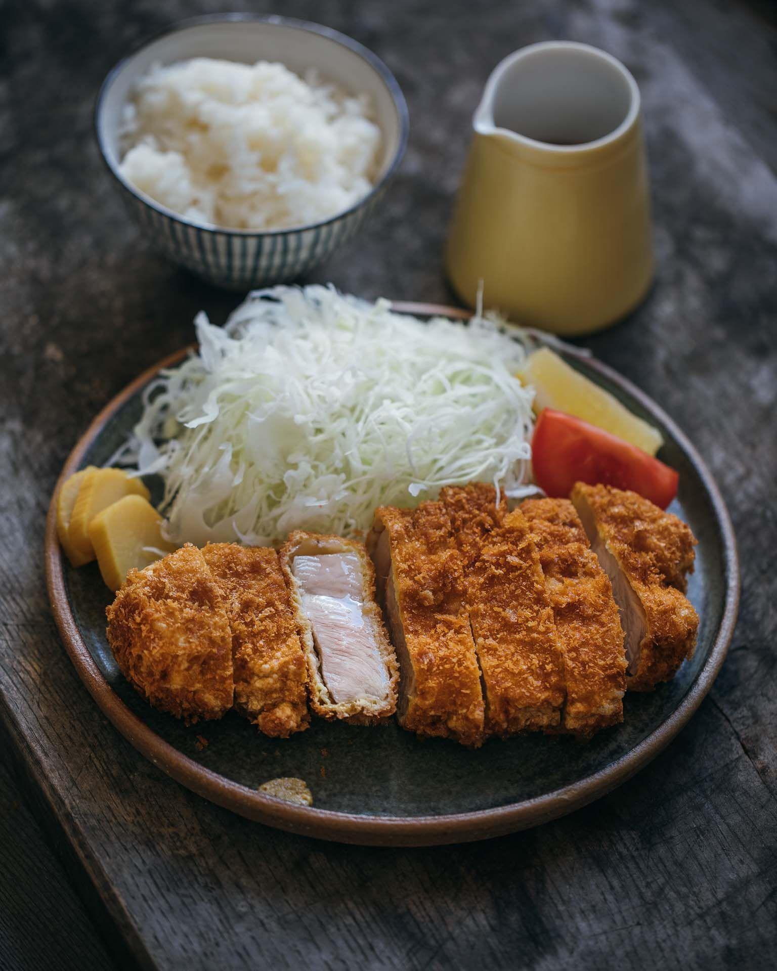 How To Make Tonkatsu Adamliaw Com In 2020 Pork Cutlets Tonkatsu Recipes