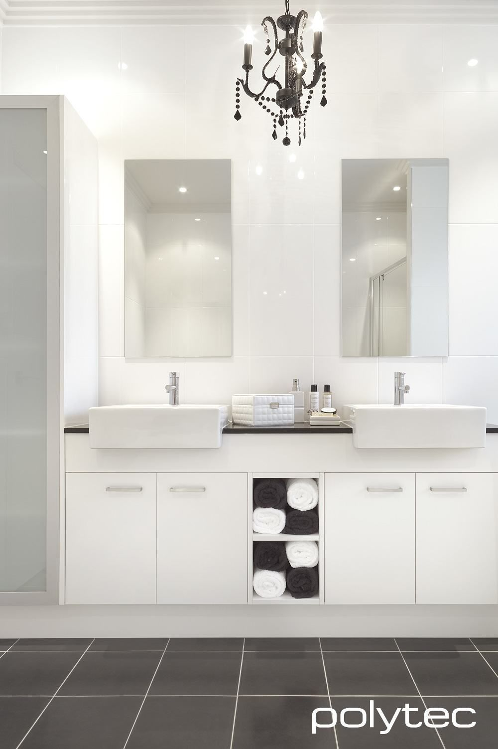 Doors in THERMOLAMINATED 18mm Manchester Classic White Gloss. Doors ...