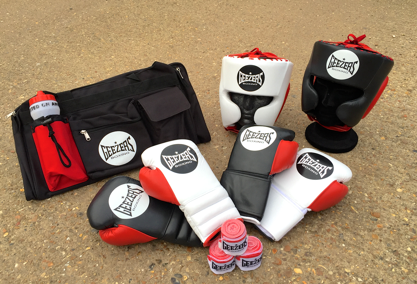 GEEZERS ELITE PRO'S! Check out the full Elite Pro range in the link below!!  http://www.geezersboxing.co.uk/geezers-2016-range/elite-pro-range  #Geezers #GeezersBoxing #Boxing #Sparring #Fight #Gloves #kitbag #Headguard #ElitePro #ProBoxing #Pro