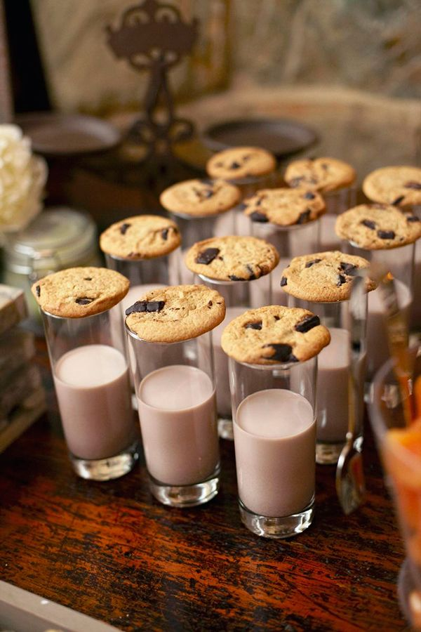 Flawless Rustic Chic Wedding | Strictly Weddings -   16 rustic desserts Plating ideas