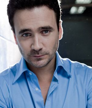 allan hawco getting married