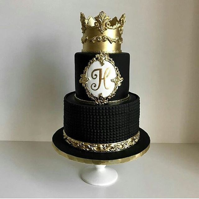 It S Black Gold Stunning Cake Design Spotted Via