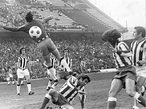 Luis Aragonés con el Atlético y Vicente Del Bosque con el CD Castellon en 1.971