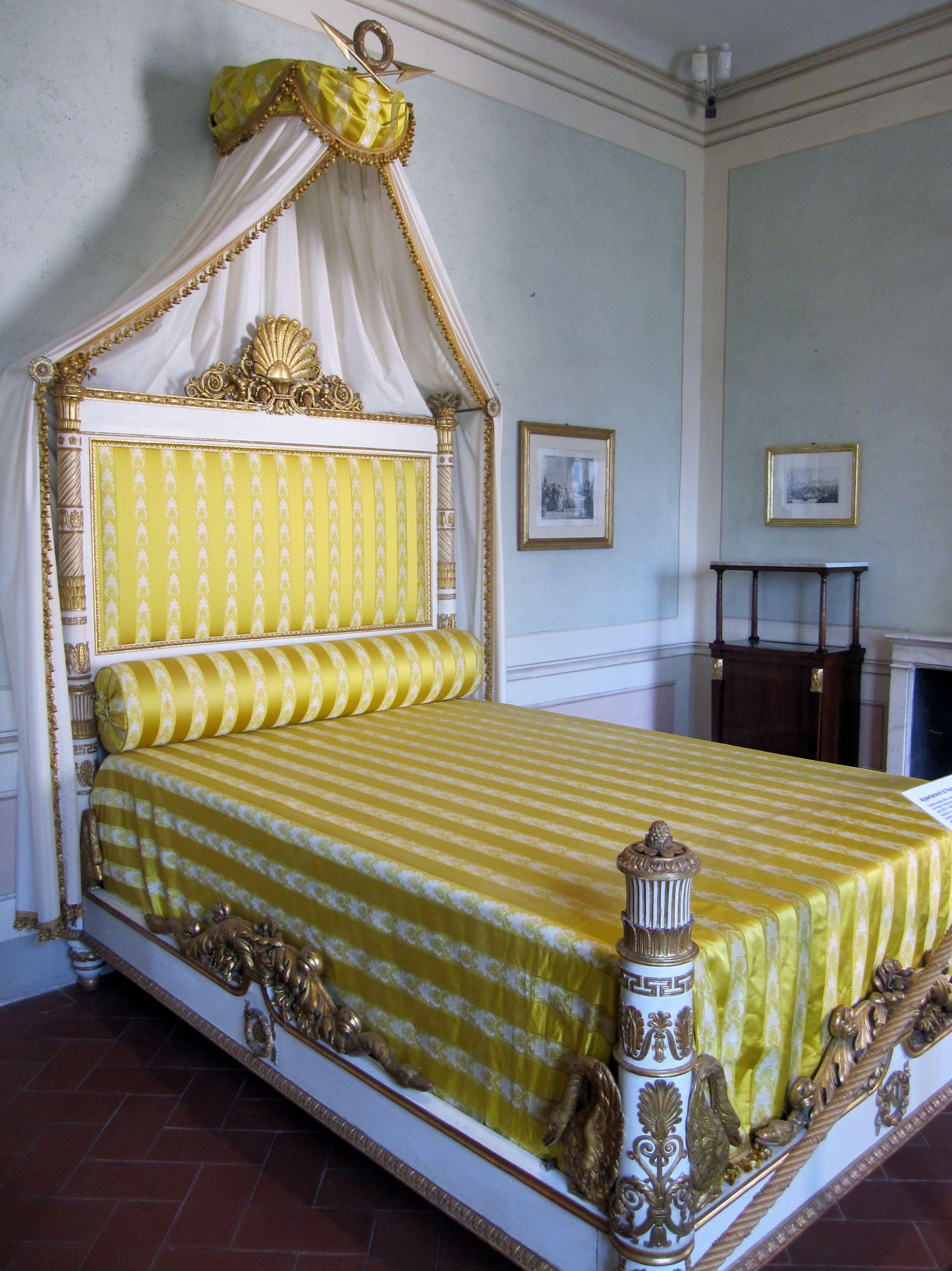 Il Letto Di Napoleone Nella Residenza Della Villa Dei