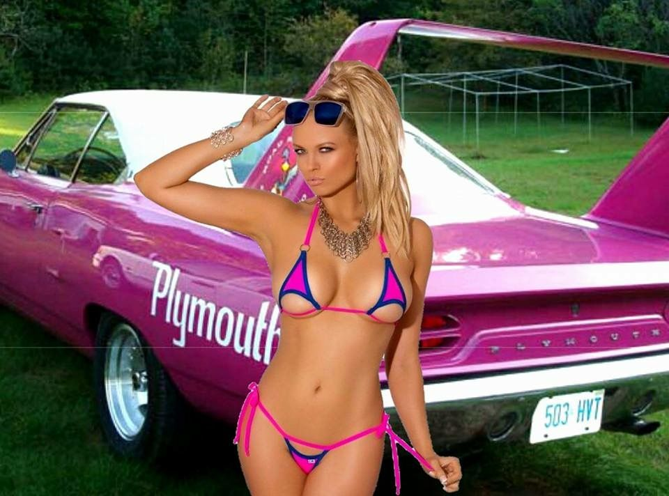 Mopar bikini girl — photo 6