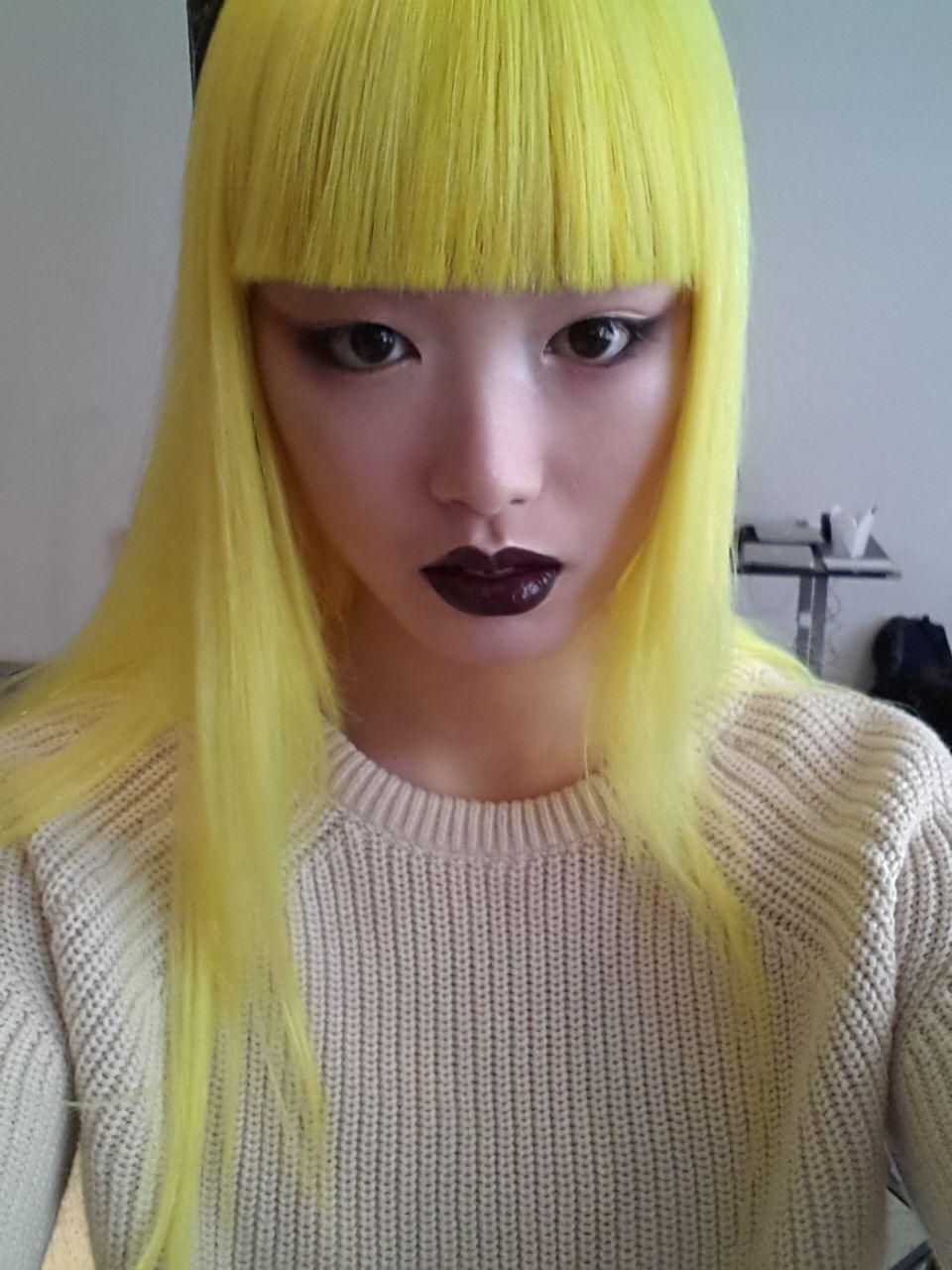 skullvomit whoa blond & yellow