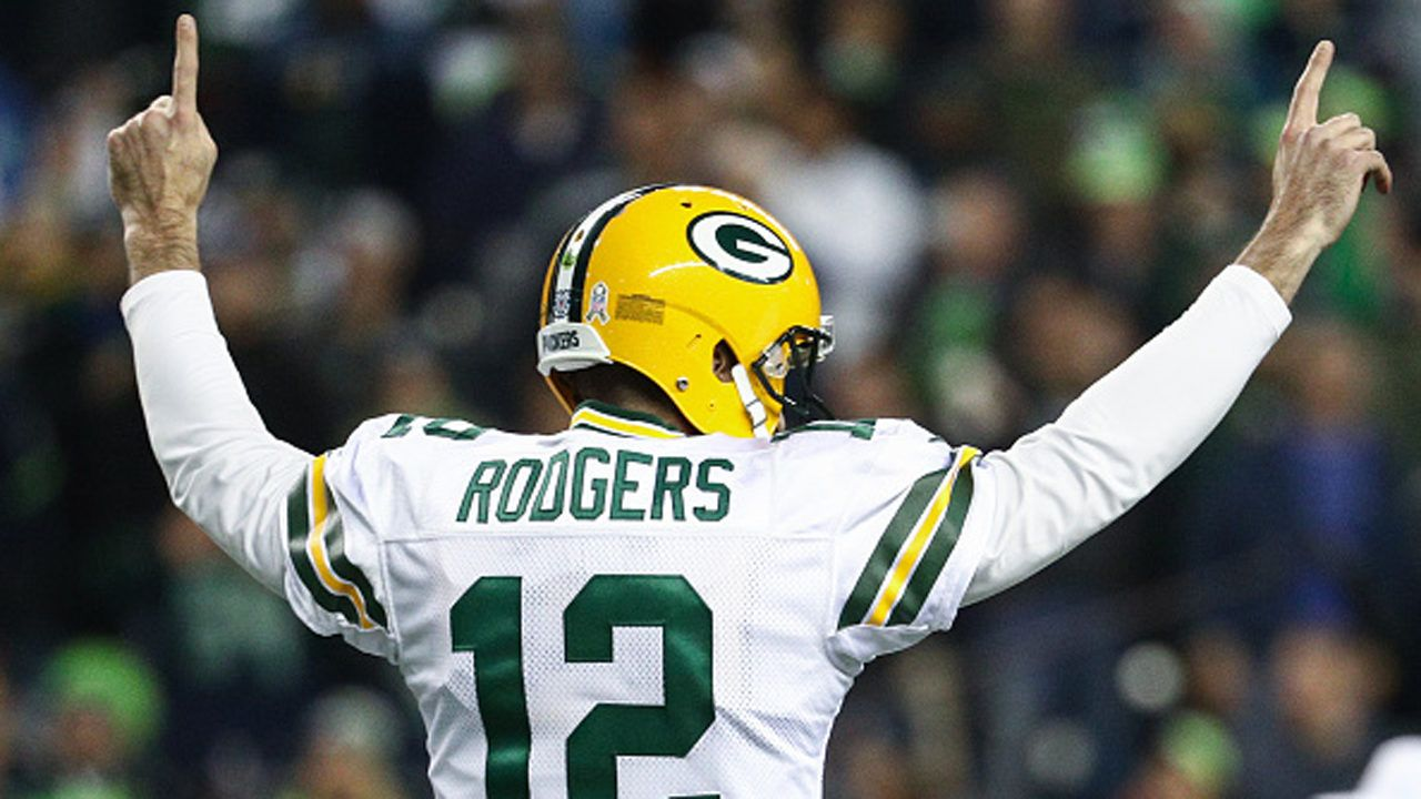 Fastest To 350 Touchdowns Rodgers Sets Nfl Record With Images Devonta Freeman Nfl Week Nfl History