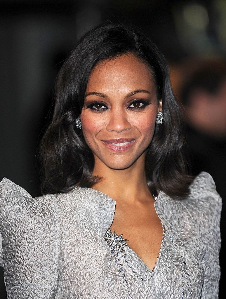 saldana zoe shoulder-length hairstyle - enhance your beauty with