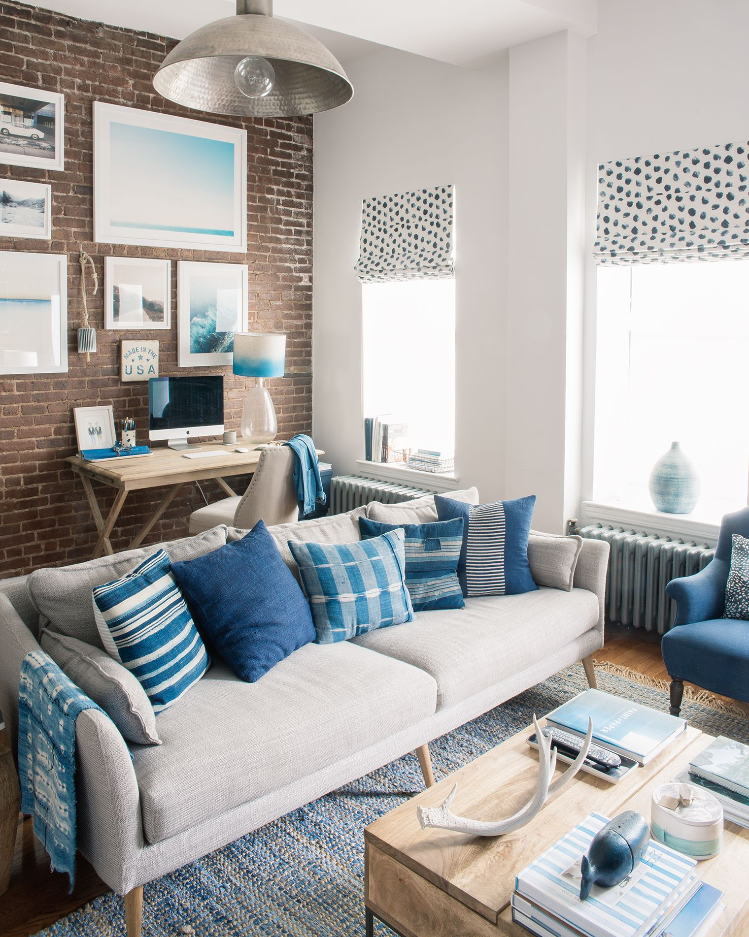 How To Decorate An Nyc Brownstone Apartment Small Apartment Decorating Living Room Ideas Nyc Apartment Decor