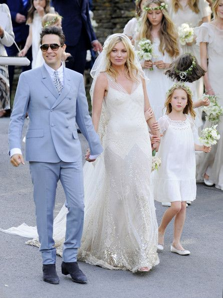 10 musicians iconic weddings pinterest kate moss kate moss 10 musicians iconic weddings kate moss jamie hince style vanity junglespirit Image collections