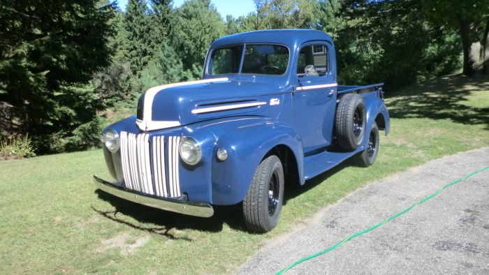 1942 Ford Truck    sturdy workhorse    | Vintage automobiles