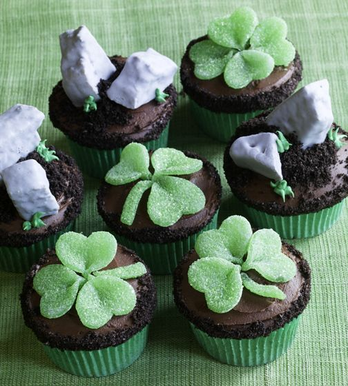 Shamrock and Blarney stone cupcakes
