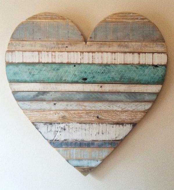 #LGLimitlessDesign #Contest Rustic reclaimed wood heart large wood heart beach by AlmaBoheme #bedroom #beach #bedroom