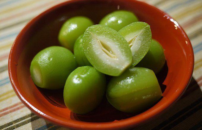 一粒で桃の香りが広がる、種までトロリとやわらかい「若桃の甘露煮」 - ippin(イッピン)