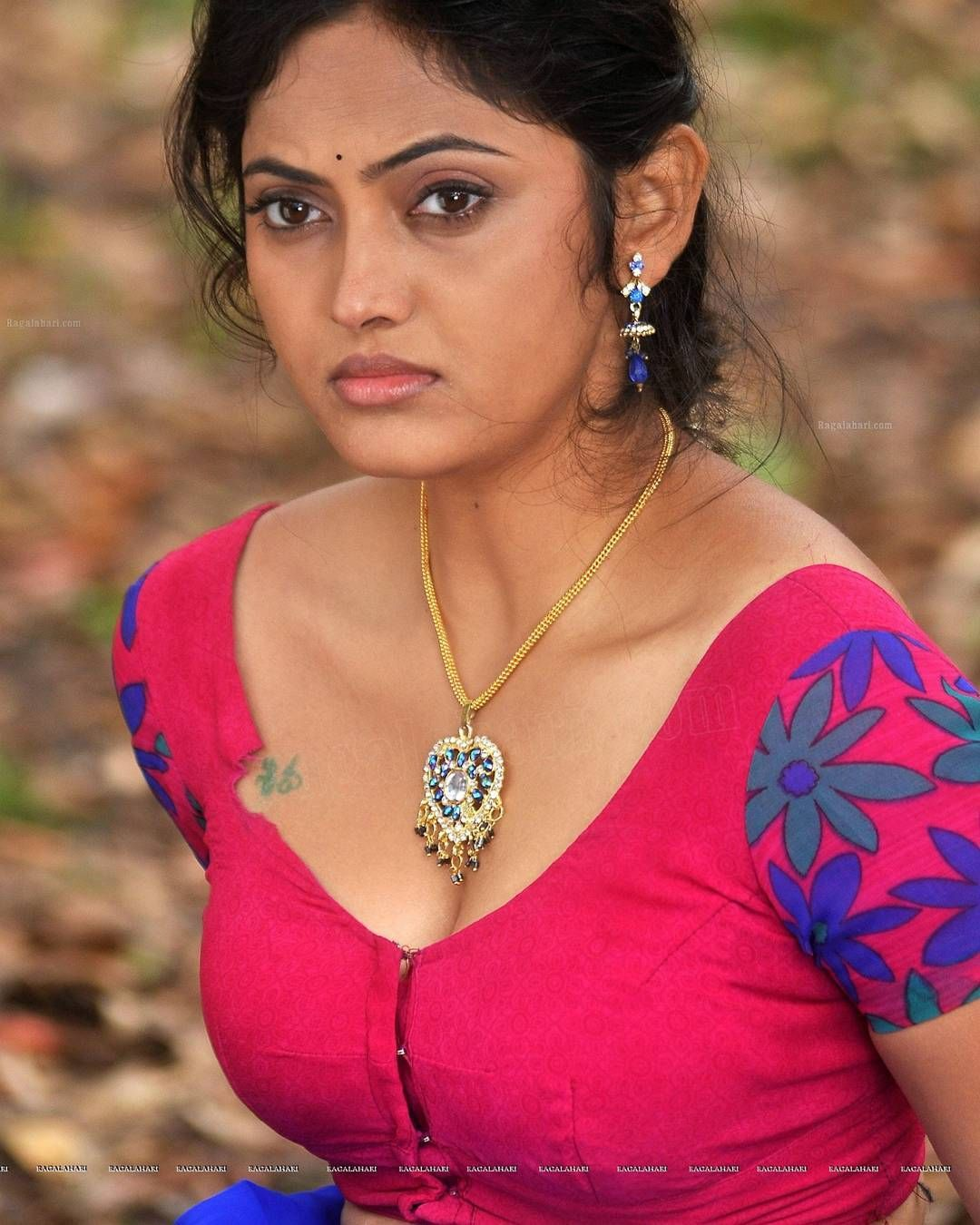 Free download top ten tamil actress hot cleavage and boobs wallpapers tamil wall