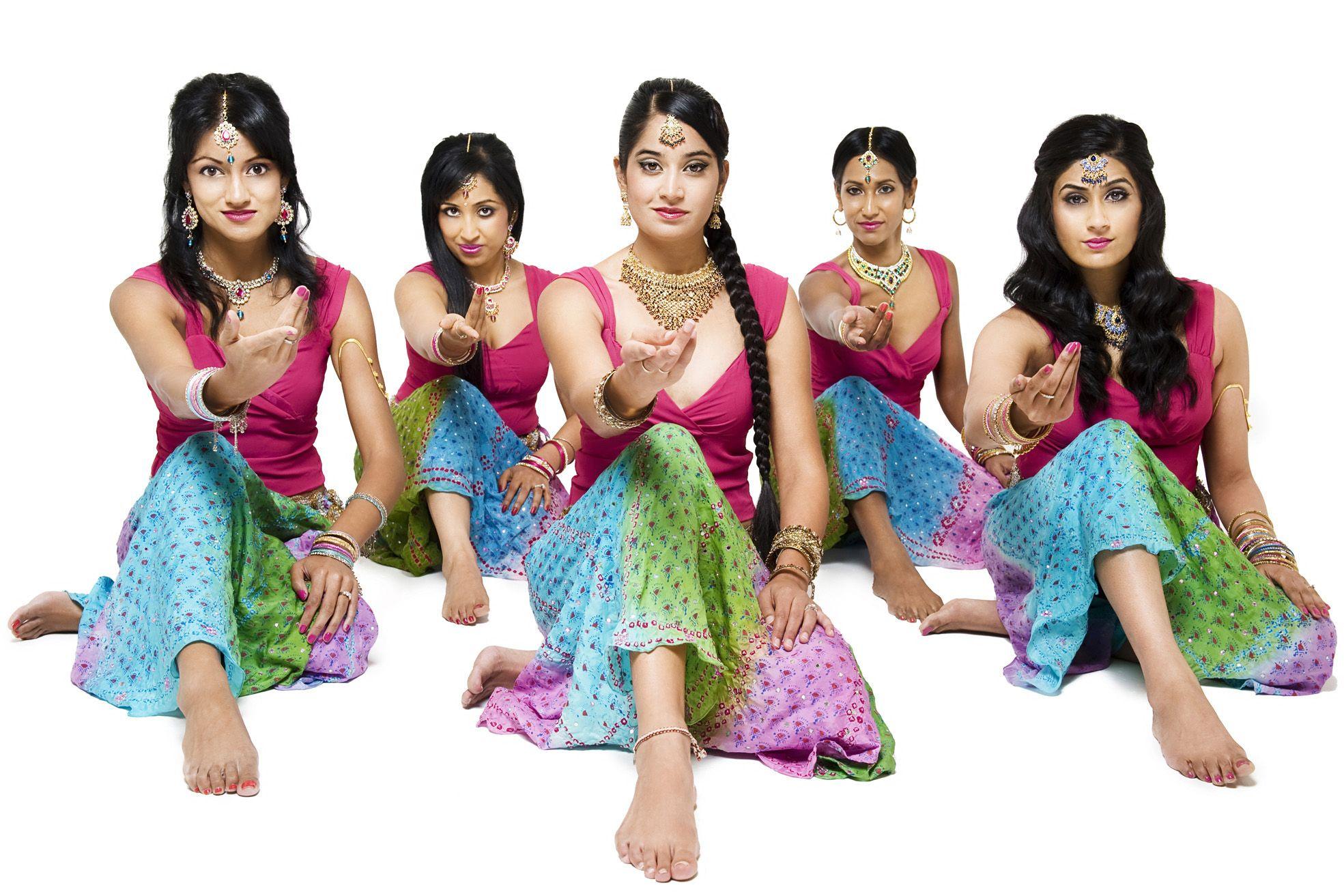 Bollywood Dance Lessons, Melbourne, AU - YouTube