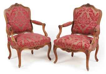 OF LOUIS XV STYLE, LATE 19TH CENTURY. A FRENCH SUITE OF WALNUT SEAT  FURNITURE