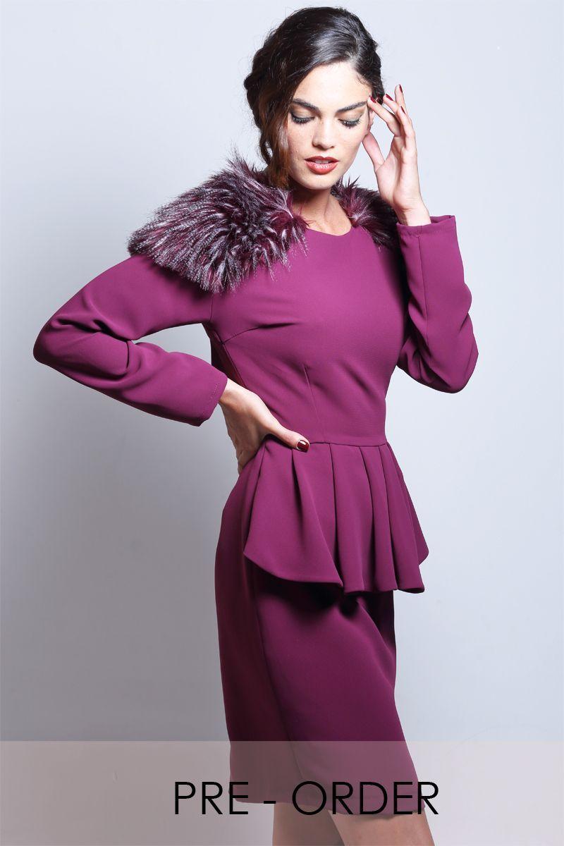 vestido de fiesta con volante peplum y pelo largo en color marsala ...