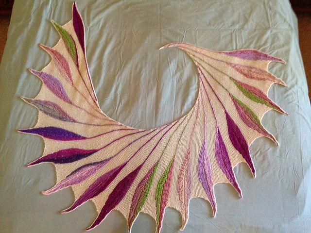 Dreambird KAL pattern by Nadita Swings | Pinterest | Chal