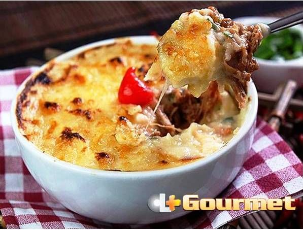 Escondidinho de costela de boi com aipim | CL+ Gourmet