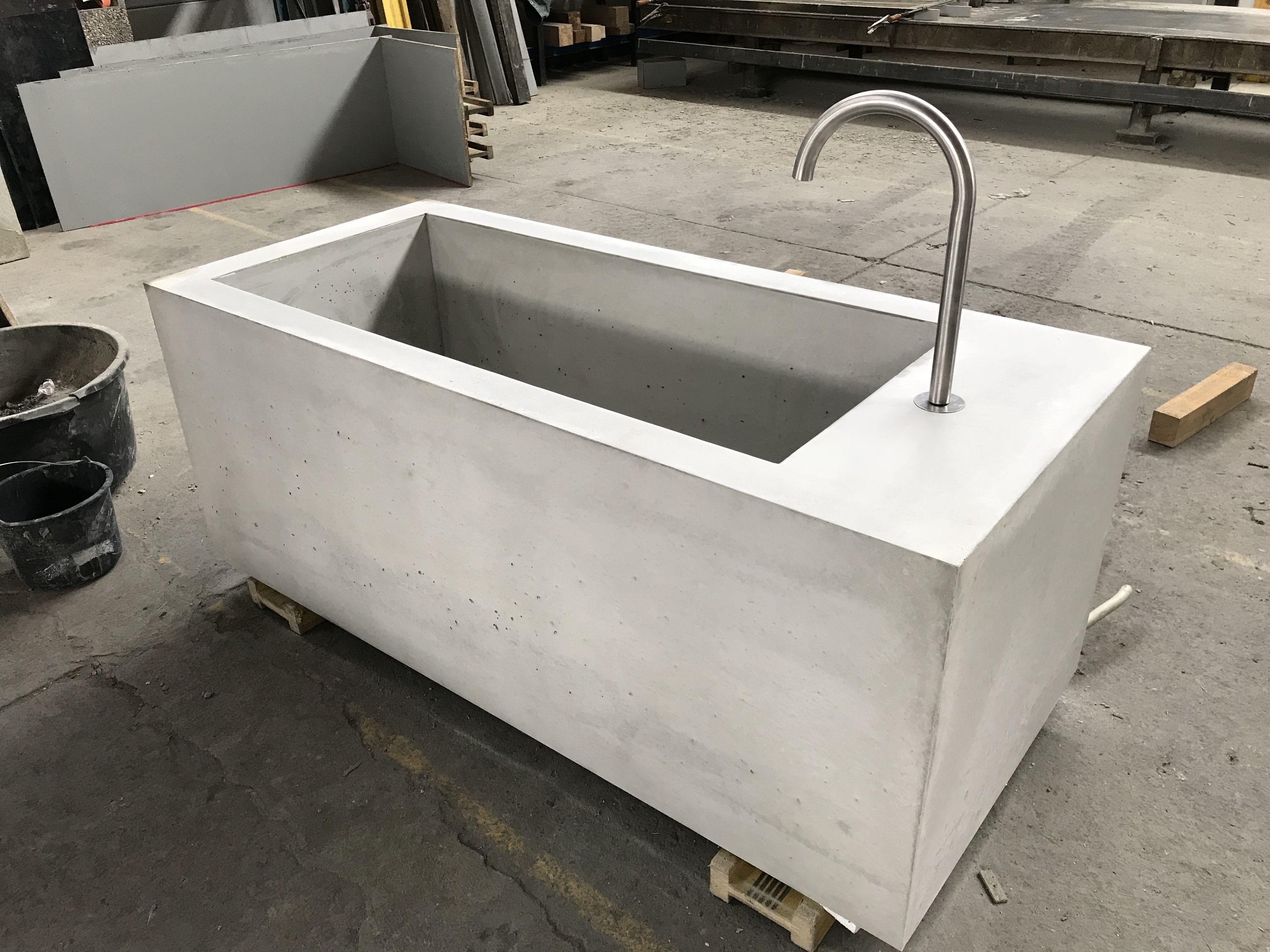 betontrog, betonbecken, wasserbecken, betonpool, betonwanne