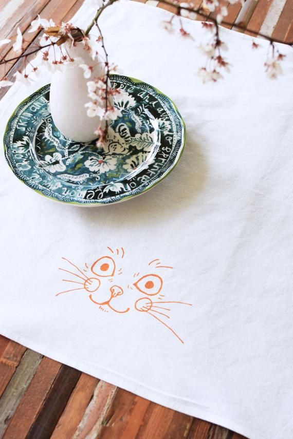 Cloth Napkins - Screen Printed Cotton Cloth Napkins - Dinner Napkins - Kitten - Cotton Napkins - Cocktail Napkins - Everyday Cloth Napkins #clothnapkins Cloth Napkins - Screen Printed Cotton Cloth Napkins - Dinner Napkins - Kitten - Cotton Napkins - Coc #clothnapkins