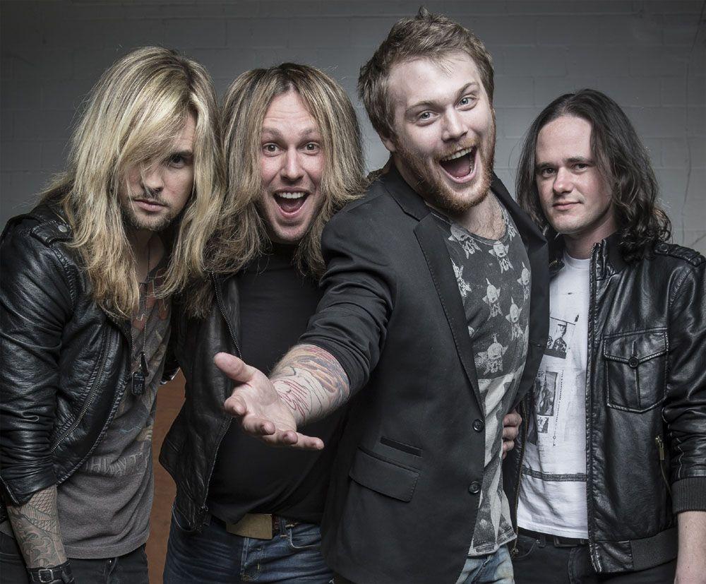 Roadrunner Records signs WeAreHarlot; releases new track