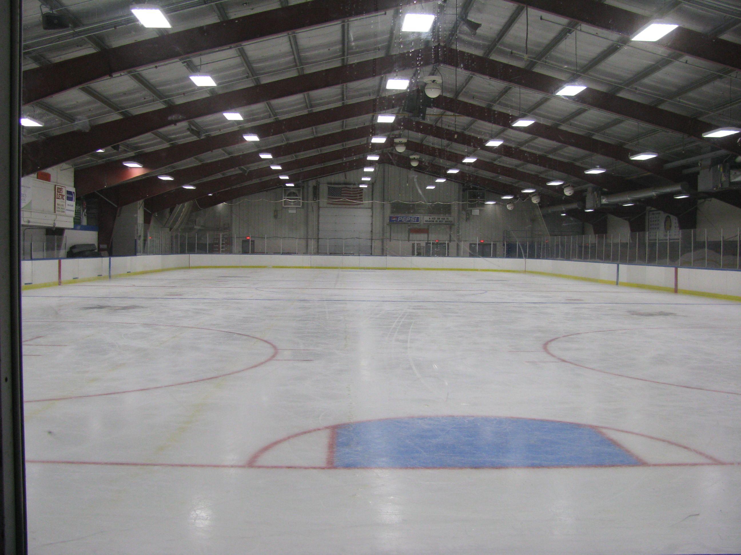 Ice Skating And Hockey Indoor Indoor Ice Skating Rink Indoor Skating Ice Skating Rink