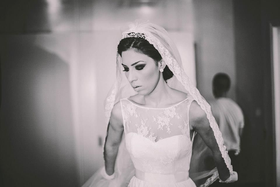 AUDREY HEPBURN wedding dress from A MODISTA  photo Torin Zanette   https://www.facebook.com/www.amodista.com.br