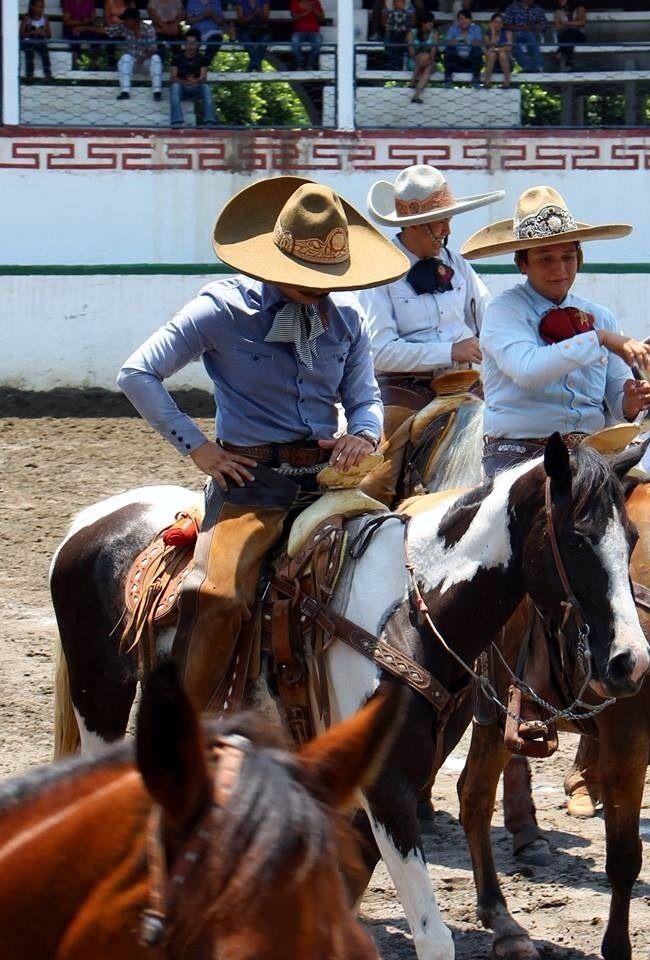Caballeros . Mexico