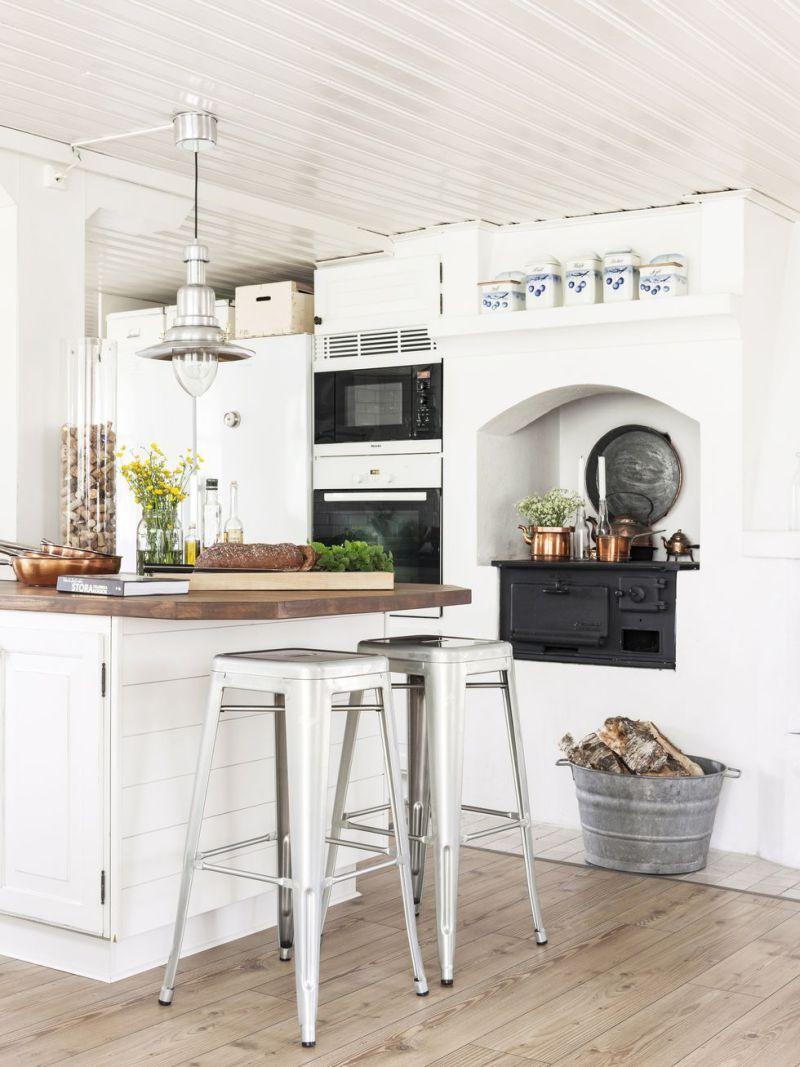 Cocina country clásica en el corazón de esta casa sueca   Casa sueca ...