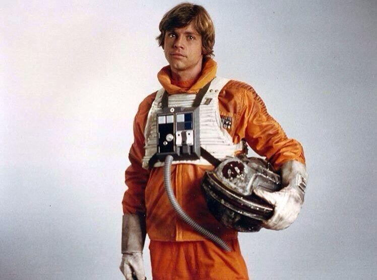 Luke in his snowspeeder flight suit. | Star wars luke skywalker, Star wars  luke, Star wars