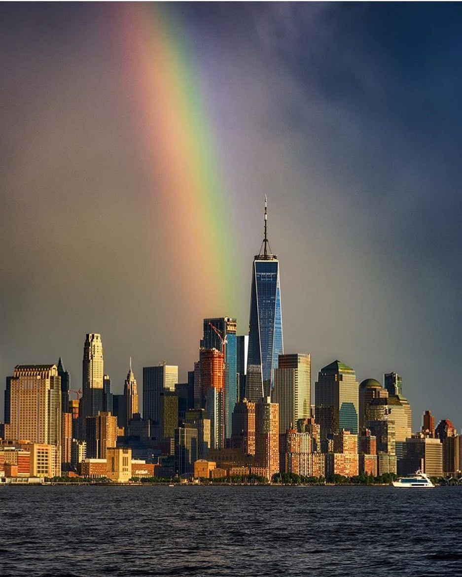 Rainbow Makes For A Perfect Backdrop Behind The City Skyline Kirit143 New York City Map City Skyline New York Wallpaper