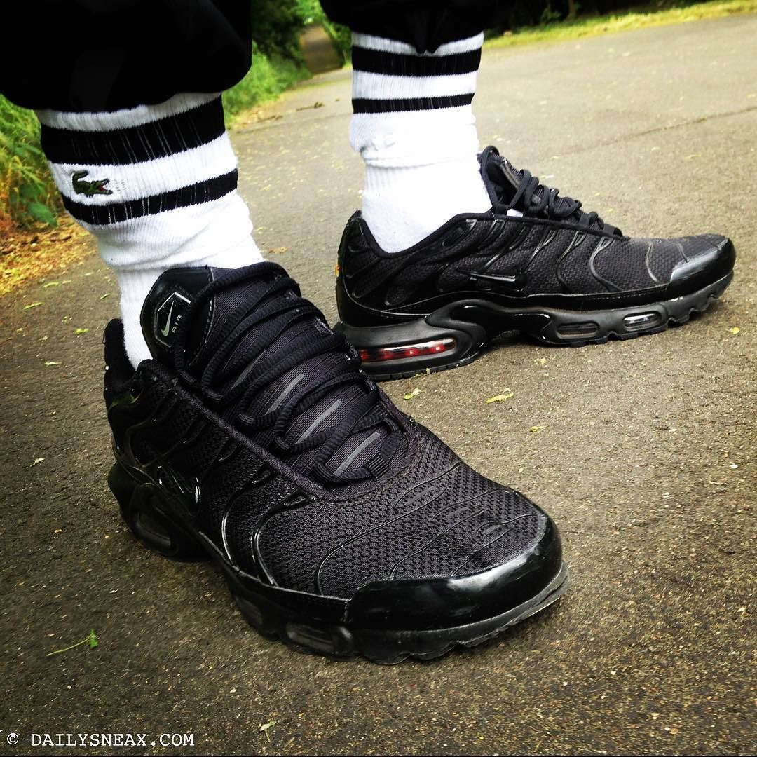 c1aec199ae Going to the gym in my hot black Nike TN Air Max Plus #nikeairmaxplus  #airmaxplus #airmax #niketn #niketns #airmaxplustn #lacoste #lacostesocks # sneakers # ...
