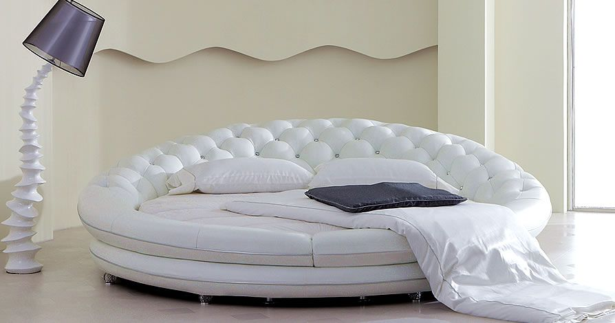 lit rond en cuir iglu round. Black Bedroom Furniture Sets. Home Design Ideas