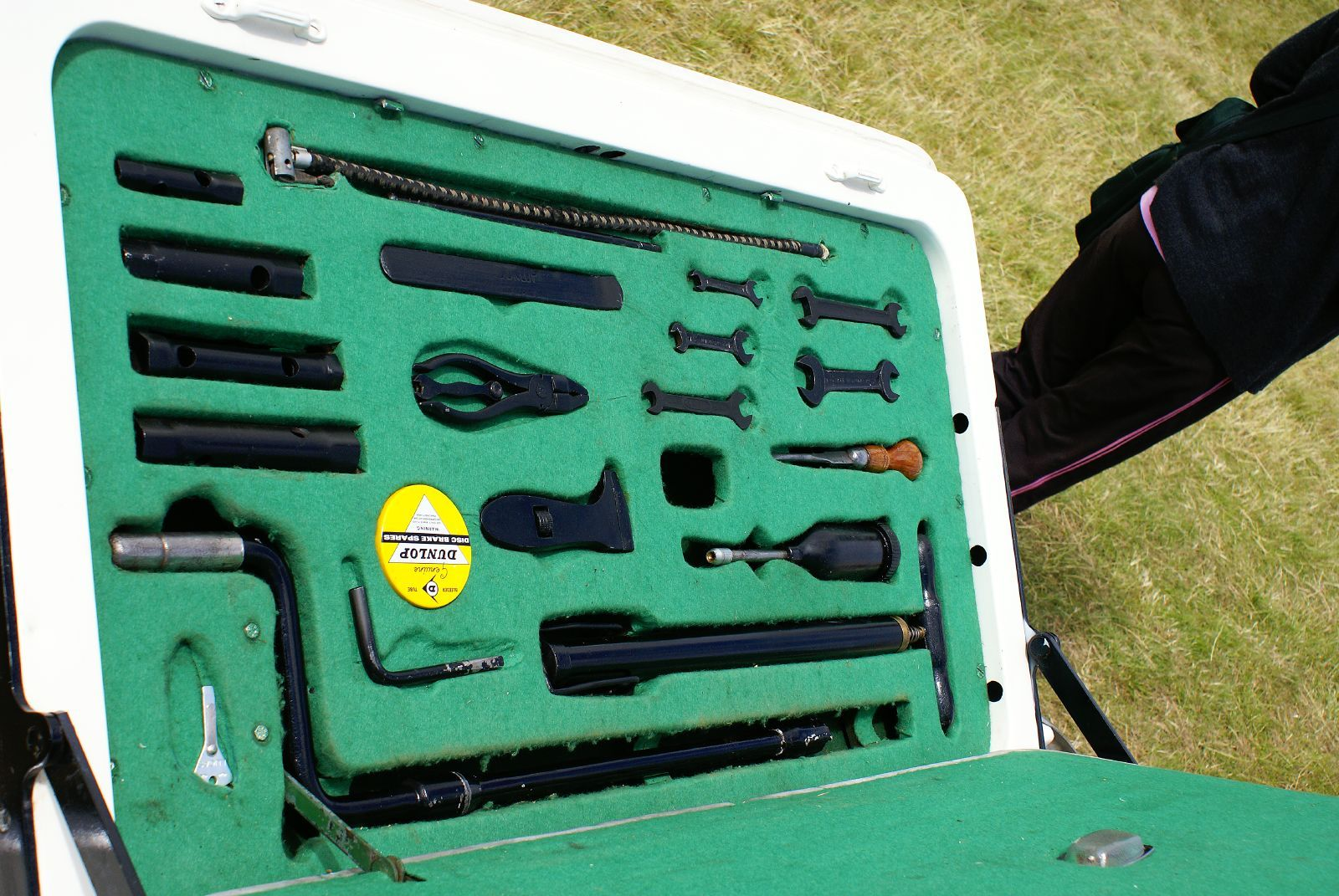 jaguar mark v tool kit - Google Search | Jaguar Mk5 | Pinterest