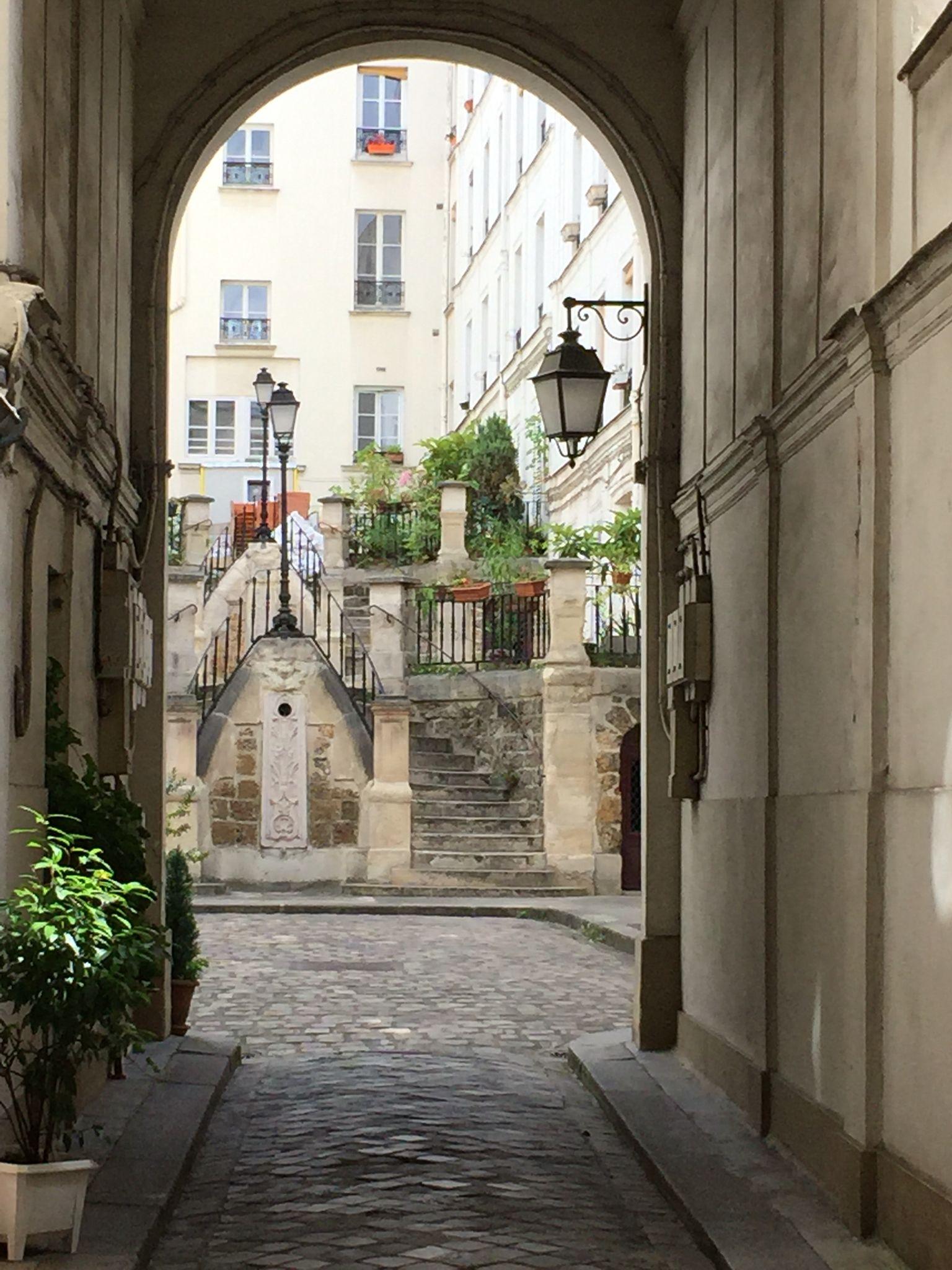 Paris - Montmartre Walking Tour