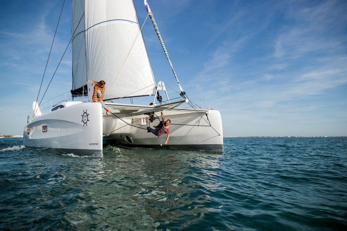 An Interview With With Riley And Elayna Of Sailing La Vagabonde Sailing Sailing Catamaran Boat Design