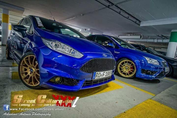 Ford Fiesta St Mk7 Focus St Mk2 Blue Body And Gold Rims Great Colours Ford Fiesta St Fiesta St Ford Focus St