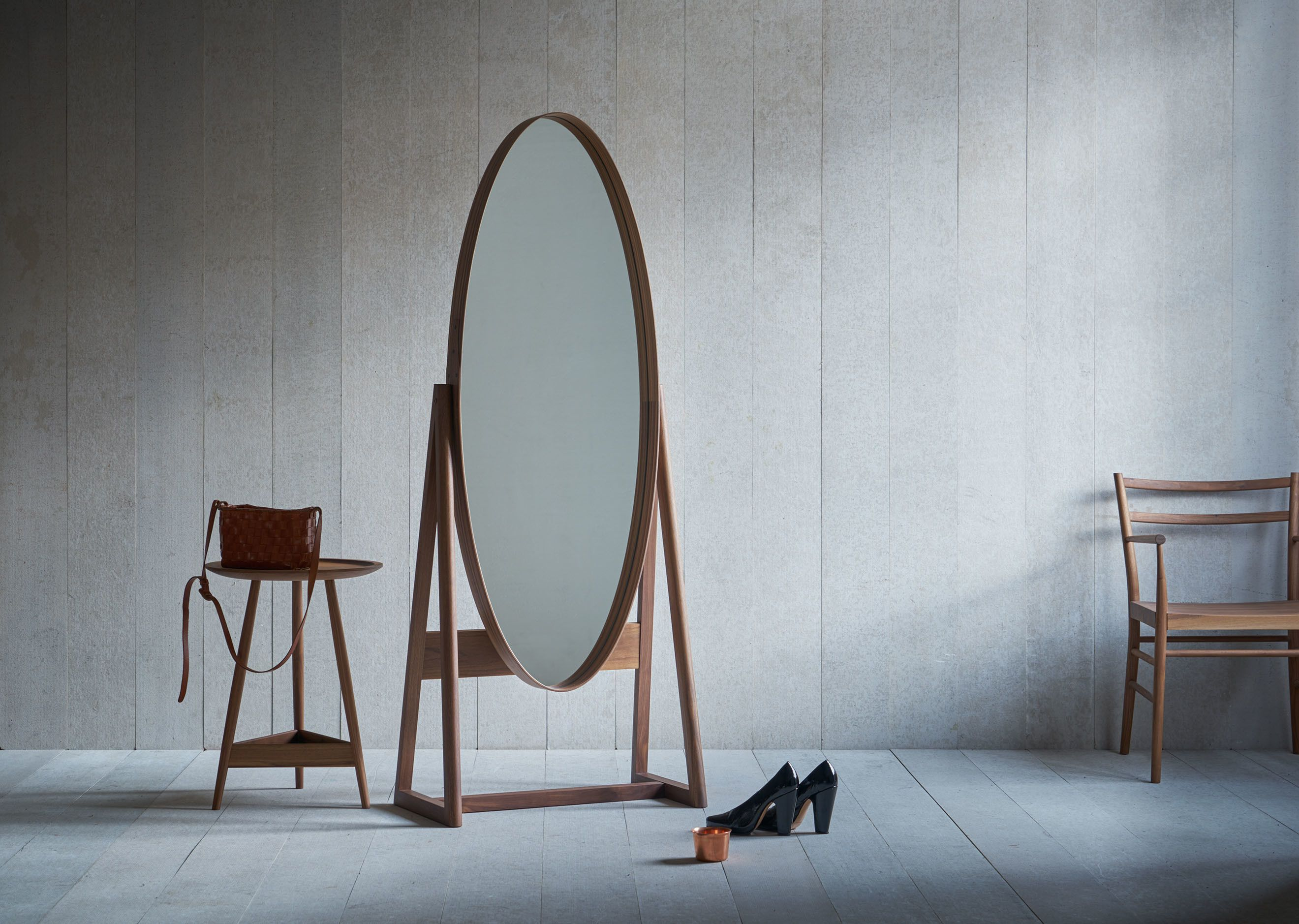 A Full Length Pivoting Elliptical Mirror With A Shaker Style Joint  # Weinstein Muebles