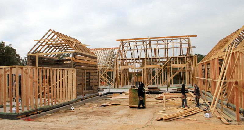 Texas Log Timber Construction - See more at: http://chambersarchitects.com/cutting-horse-ranch-in-parker-county.html#sthash.h3fULOdP.dpuf And see all of our custom ranch homes at: http://chambersarchitects.com/ranches/custom-ranch-home.html
