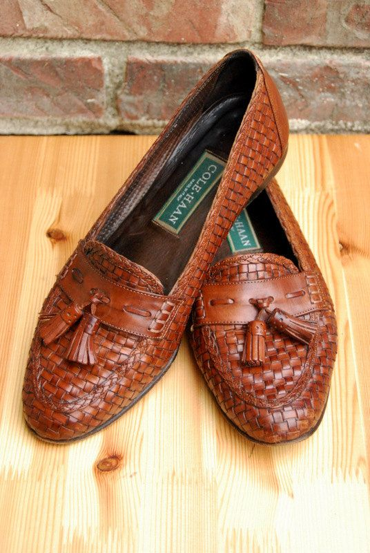 71997d7f806 Vtg. Woven Italian Leather Tassel Loafers in Dark Brown    Cole Haan Womens  Loafers