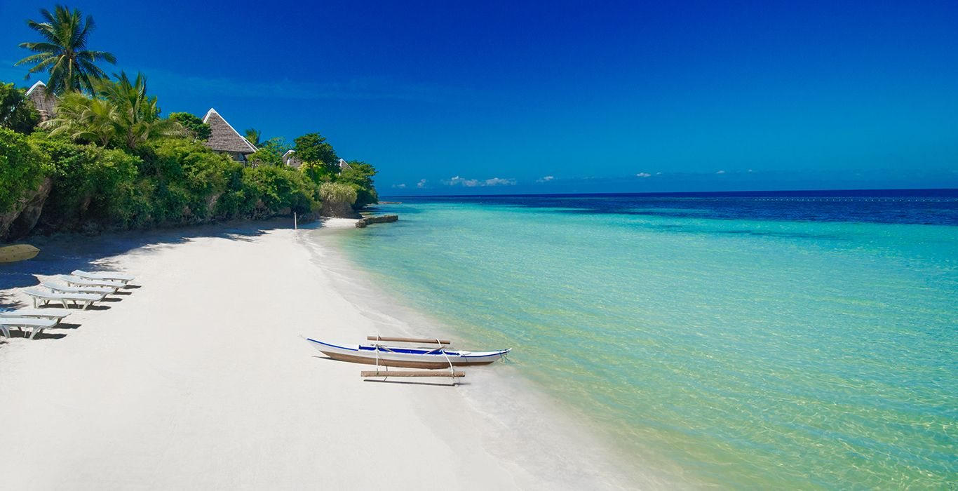 Panglao island is located south-east of Bohol and east of Cebu. It's divided in two municipalities: #philippines #panglao #bohol #travel #tourism