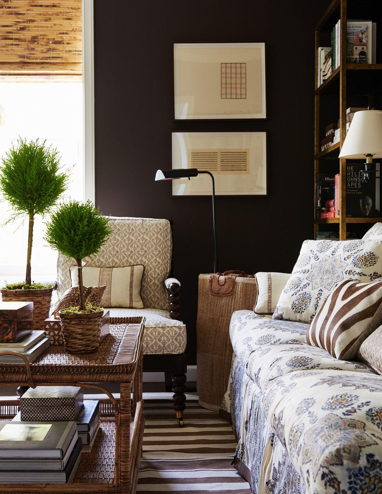 Design Crush Mark D Sikes Katie Considers Brown Walls Living Room Dark Brown Walls Brown Rooms