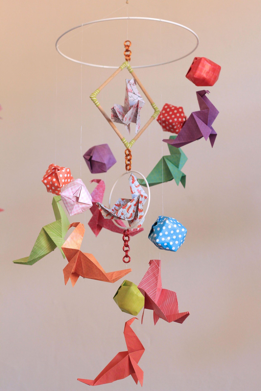 mobile b b origami bois suspension en spirale lustre chambre enfant animaux otarie ballon baby. Black Bedroom Furniture Sets. Home Design Ideas